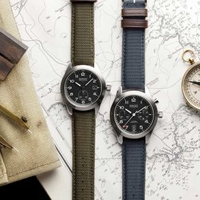 Bremont Armbanduhren, Kompas und Zirkel auf einer Landkarte