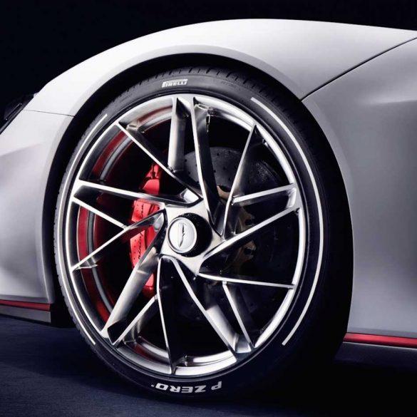 Rad Close-up des Pininfarina Battista