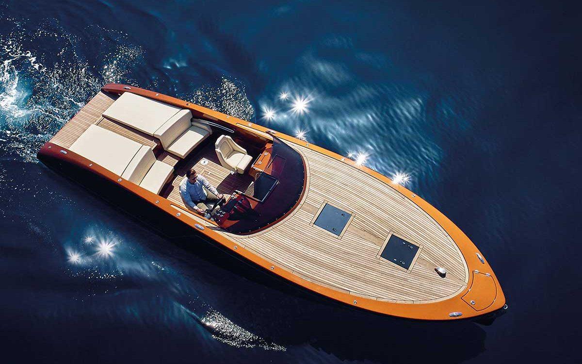 Frauscher Boot auf See von oben