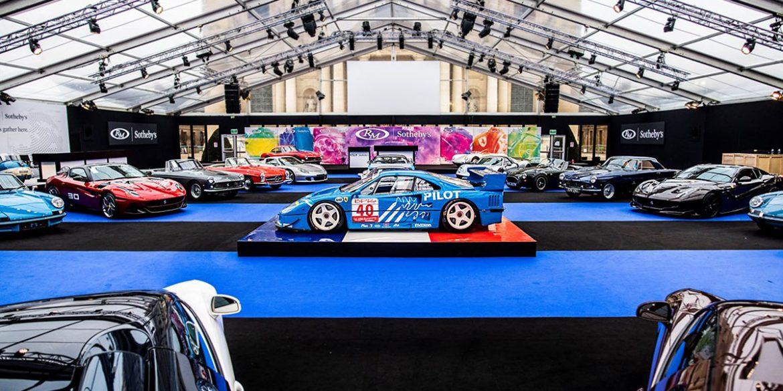 Auto Auktion Paris RM Sotheby's Fahrzeughalle