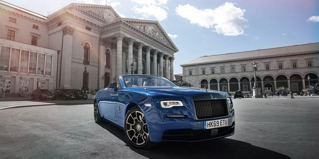Der Rolls Royce Dawn macht auch vor der Münchener Oper eine gute Figur und zieht ganz natürlich alle Blicke auf sich