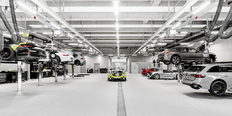 Zahlreiche Fahrzeuge bei SSR Performance