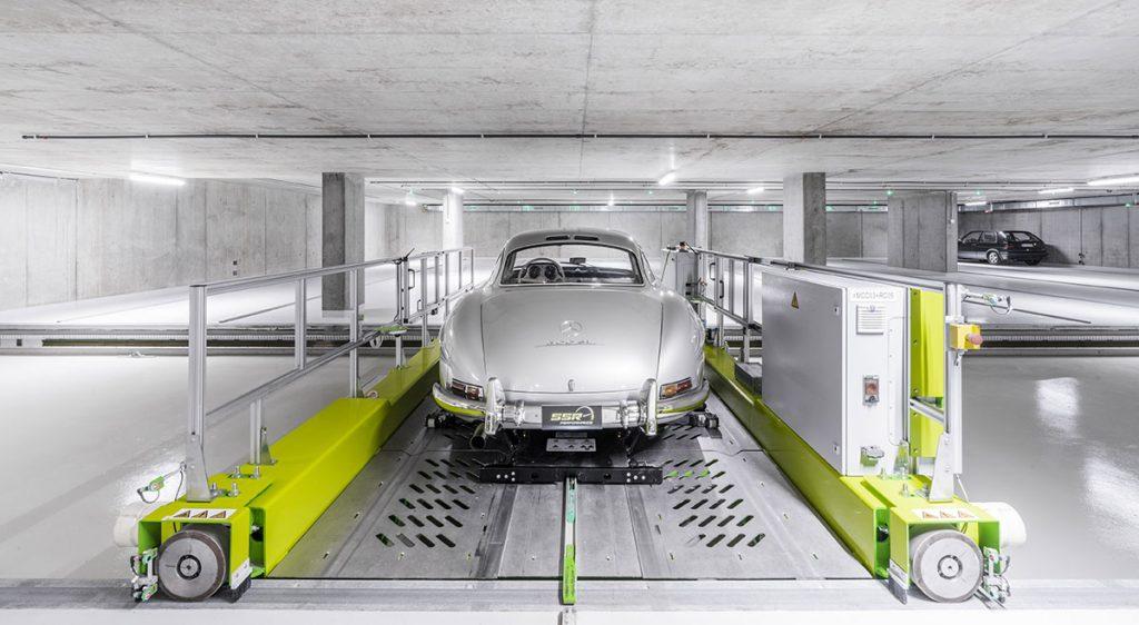 Prüfstand in der Tuning Werkstatt von SSR Performance mit Mercedes-Benz Oldtimer
