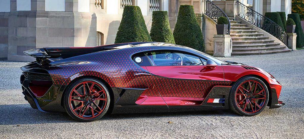 Bugatti Divo Seitlich